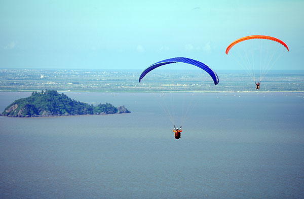 Linh Truong Paragliding
